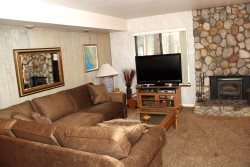 Sunshine Village Mammoth Lakes Condo #165 / WIFI Internet Access / Centrally Located in Town, Near Eagle Lodge Shuttle Stop and The Sierra Star Golf Course