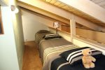 Mammoth Lakes Condo Rental Sunshine Village 148 loft has 3 twin beds