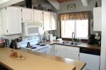 Mammoth Vacation Rental Wildflower 2 - Fully Equipped Kitchen