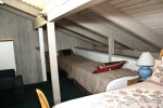 Mammoth Lakes Vacation Rental Sunshine Village 106 - Open Area Loft with 1 Queen Bed and 2 Twin Beds