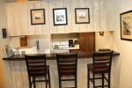 Mammoth Lakes Rental Sunshine Village 106 - Kitchen Counter Bar