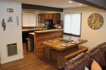 Mammoth Condo Rental Wildflower 41: Spacious Dining Room Table And Fully Equipped Kitchen.
