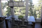 Mammoth Condo Rental Timber Ridge 19- Beautiful Moderne Dining Room. Feel Like you`re in the trees