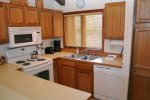 Mammoth Lakes Rental Sunrise 3 - Fully Equipped Kitchen