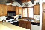 Mammoth Lakes Rental Sunrise 11 - Fully Equipped Kitchen