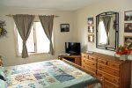 Mammoth Lakes Vacation Rental Sunrise 12- Comfortable Master Bedroom with King Size Bed