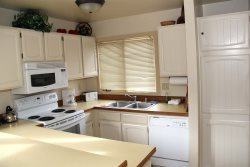 Mammoth Lakes Vacation Rental Sunrise 12 - Fully Equipped Kitchen