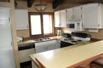 Mammoth Lakes Vacation Rental Sunrise 15 - Fully Equipped Kitchen