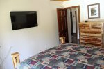 Mammoth Lakes Vacation Rental Sunrise 29 - Master Bedroom Has a Flatscreen TV