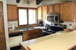 Mammoth Condo Rental Sunrise 35 - Fully Equipped Kitchen