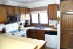 Mammoth Condo Rental Sunrise 46 - Fully Equipped Kitchen