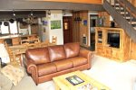 Mammoth Condo Rental Sunrise 47 - Open Floor Plan, Leather Sofa, Flat Screen TV