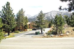 Sunrise Mammoth Condo Rental #51, Pet Friendly / WIFI Internet Access:  Scenic Meadow Area: Near Mammoth Creek & The Snowcreek Golf Course