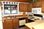Mammoth Vacation Rental Woodlands 30 - Fully Equipped Kitchen
