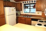 Mammoth Lakes Vacation Rental Woodlands 30 - Fully Equipped Kitchen