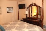 Mammoth Lakes Rental Woodlands 28 - 2nd Bedroom has TV