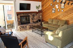 Snowflower Mammoth Vacation Rental #5: Scenic Meadow Area / Nice Condo, Near Mammoth Creek & The Snowcreek Golf Course