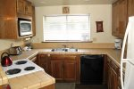 Mammoth Rental Snowflower 6 - Fully Equipped Kitchen with New Stove and Refrigerator installed 11/2013
