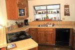 Mammoth Vacation Rental Snowflower 45 - Fully Equipped Kitchen