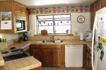Mammoth Lakes Vacation Rental Snowflower 53- Fully Equipped Kitchen