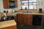 Mammoth Condo Rental Snowflower 73 - Fully Equipped Kitchen
