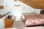 Mammoth Vacation Rental Snowflower 82 - Loft has 1 TV