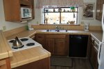 Mammoth Lakes Rental Snowflower 82 - Fully equipped Kitchen