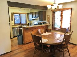 Mammoth Lakes Vacation Rental Wildflower 21 - Fully Equipped Kitchen
