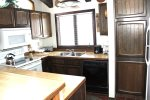 Mammoth Lakes Condo Rental Wildflower 18 - Fully Equipped Kitchen