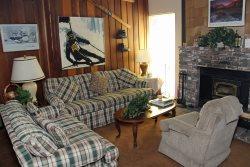 Chamonix B#21: Mammoth Townhome Rental Near Canyon Lodge / WIFI Internet Access: Walk To The Lifts Sleeps 8