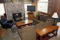 Chamonix #85: Mammoth Townhome Rental Near Canyon Lodge / WIFI Internet Access: Walk To The Lifts