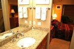 Mammoth Vacation Rental Chamonix 95 - 1st Floor Upgraded Master Bath