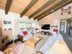 Chateau Blanc Mammoth Vacation Rental #30: 3 Bedroom & 2 Bath Townhome / WIFI Internet Access/One car gargage: Near Town