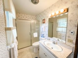 Mammoth Lakes Vacation Rental Chateau Blanc 30 - 2nd Bedroom Closet