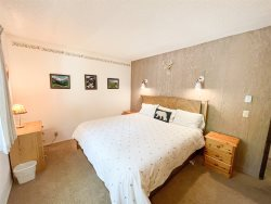 Mammoth Rental Chateau Blanc 30 - 3rd Bedroom has 1 Queen Bed and 1 Set of Bunk Beds