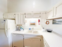 Mammoth Rental Chateau Blanc 30 - Fully Equipped Kitchen