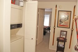 Mammoth Rental Silver Bear 37 Has a Washer and Dryer In The Unit