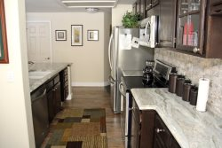 Mammoth Lakes Vacation Rental Silver Bear 37 Upgraded Fully Equipped Galley Style Kitchen
