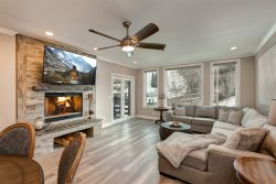 Ski-In/Ski-Out 2-Bedroom With Private Hot Tub