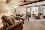 Ski-In/Ski-Out 2-Bedroom With Stunning Views