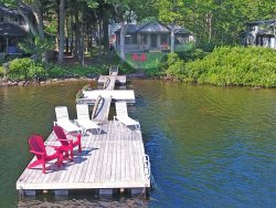 BARRETTS COVE COTTAGE - Town of Camden - Megunticook Lake