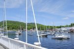 Downtown Camden and Camden Harbor is 3 miles from the cottage with shopping, dining, and sightseeing