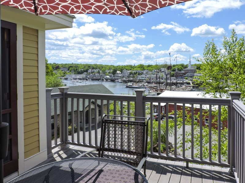 vrbo best mainewaterfront waterfront rentals village images cottage sleeps vacation panoramic mountain views water com lovely on camdenac camden cottages pinterest maine