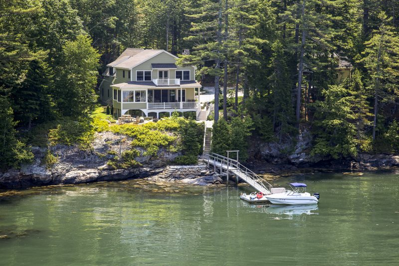 Sunset Cottage - On the Water in Maine Vacation Rental Property