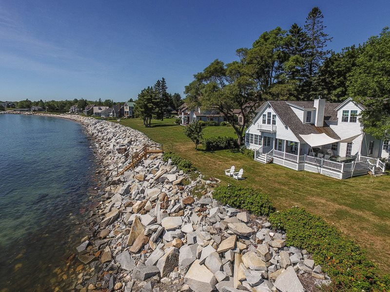 Location Owls Head Pescot Bay Well Ointed Crescent Beach House Overlooking The Muscle Ridge Channel