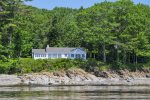 Camden Casa - Set on the north shore of town with open views of Penobscot Bay