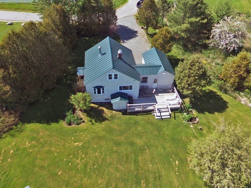 Bay View Beach Cottage - On The Water In Maine Vacation Rental