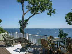 BEEHIVE COTTAGE - Town of Northport - Bayside Village
