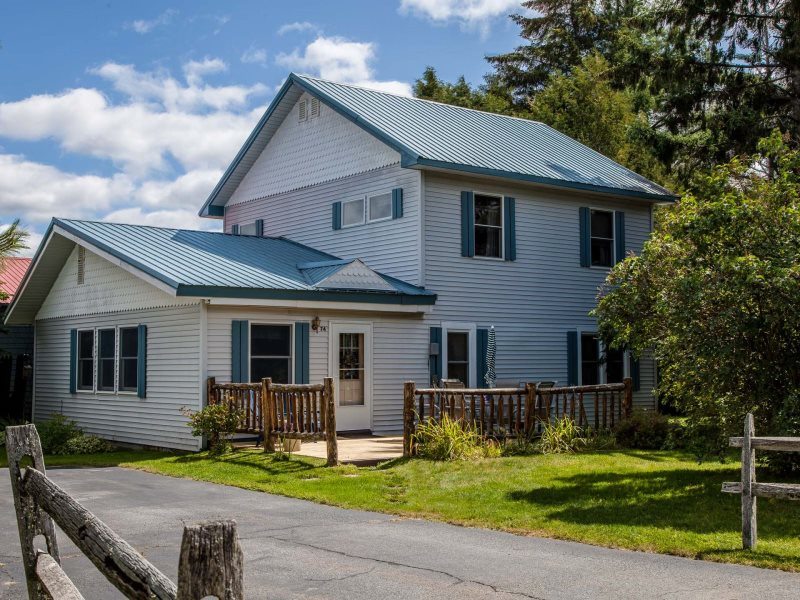 Fabulous Great Family Cottage Located In The Adirondack Olympic Download Free Architecture Designs Embacsunscenecom