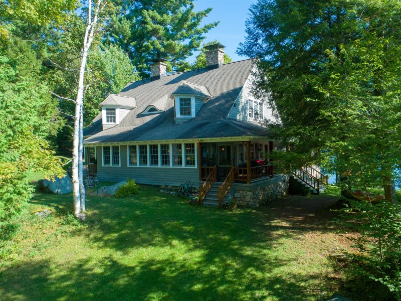 Panther Point Adirondack waterfront vacation rental with 8